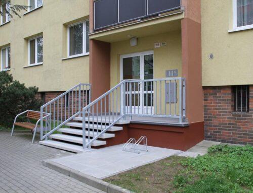Rekonstrukce vstupů do bytového domu Hranice